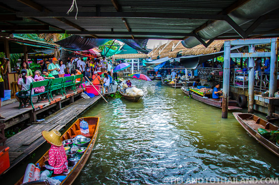 Taling Chan Floating Market in Bangkok - Tieland to Thailand